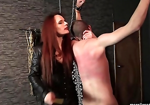 Mistress Rebekka Knows How To And so a Whip - Skilled Quartering and Whippping of Suspended Slave