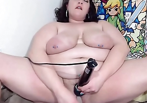 Midwest MILF with sexy eyes and big tits squirting pussy