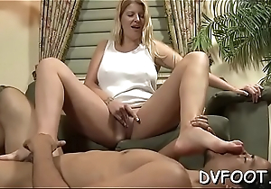 Sexy foot fetisj action with sexy honey getting feet licked