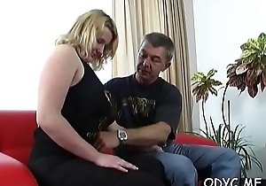 Comminuted amateur babe gives a steamy oral sex and rides wildly