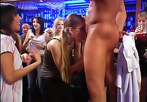 Party Amateurs orgy in Nightclub