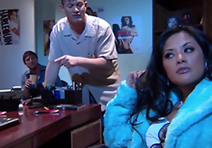 Gorgeous Alektra Blue and Kaylani Lei love dazzling FFM lovemaking indoors