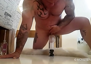 Bid dick muscled tattooed daddy Seth Strong fucks his Fleshlight