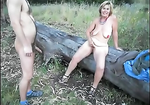 Suzisoumise empty whore with a client in public.